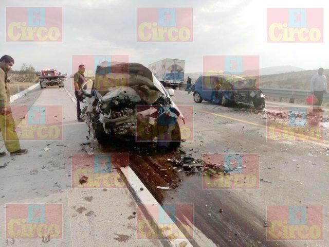 ¡Carambola entre 3 vehículos dejó 2 muertos y 1 lesionado en Lagos de Moreno!