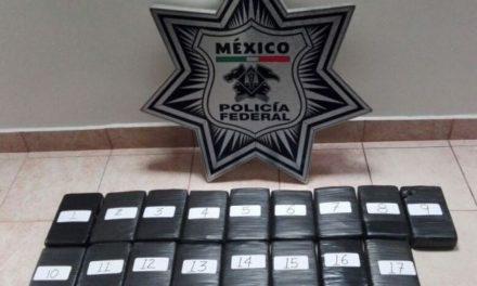 ¡La Policía Federal aseguró cerca de 20 kilos de cocaína en Zacatecas y detuvo a 2 personas!
