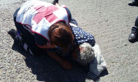 ¡Ancianita lesionada tras ser atropellada por un automovilista en Aguascalientes!