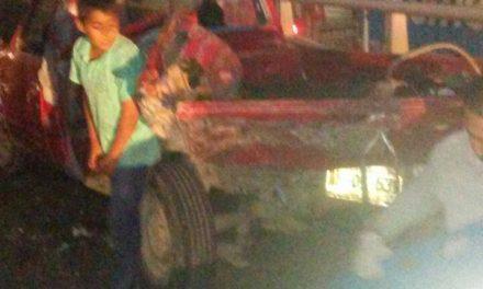 ¡5 lesionados dejó choque entre auto y camioneta en Aguascalientes!
