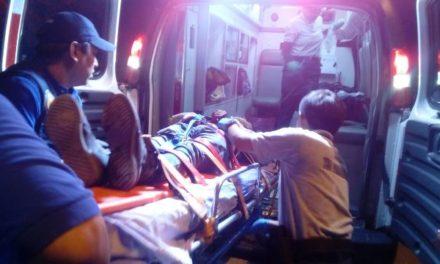¡Menor de 13 años de edad se mató tras estrellarse en su moto contra un poste de concreto en Aguascalientes!