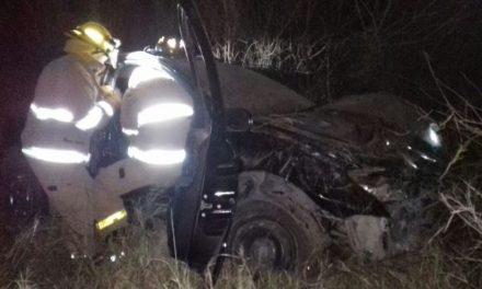 ¡Choque entre 2 automóviles dejó 3 lesionados, uno grave, en Aguascalientes!