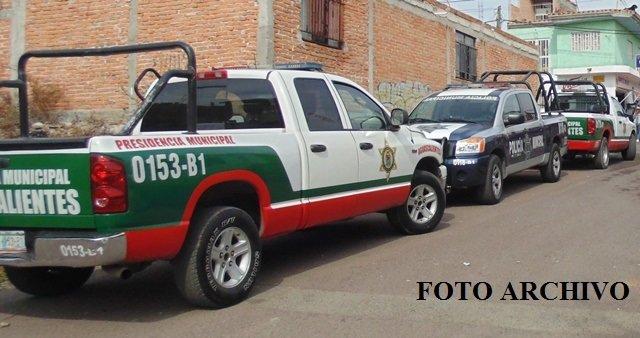 ¡2 pistoleros asaltaron a una cuentahabiente en Aguascalientes y le robaron $86 mil!