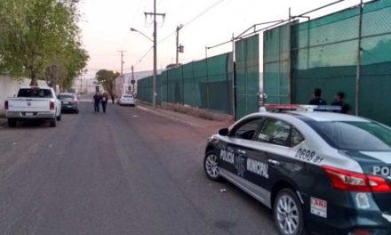 ¡6 pistoleros con chamarras de la PGR asaltaron una gasera en Aguascalientes!