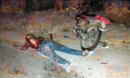 ¡2 hermanos motociclistas murieron embestidos por una camioneta en Unión de San Antonio, Jalisco!