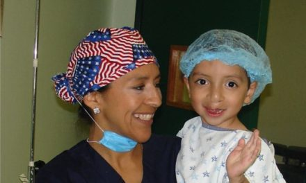 ¡Clínica de Labio y Paladar Hendido y Fundación Sonrisas del Corazón benefician a 60 pacientes!