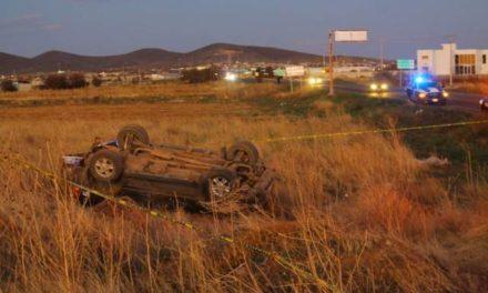 ¡Joven murió tras la volcadura de una camioneta en Morelos, Zacatecas!