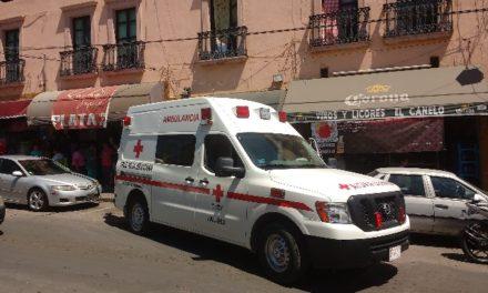 ¡Una joven sufrió lesiones de consideración tras caer de una escalera en Lagos de Moreno!