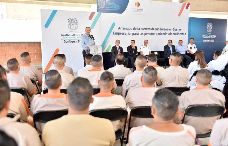 ¡Arranca MOS la Ingeniería en Gestión Empresarial en modalidad virtual para internos del CERESO El Llano!