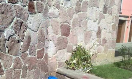 ¡Hallan persona sin vida en la explanada de La Merced en Lagos de Moreno!