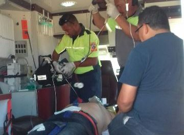 ¡Empleado de CONAGUA se salvó de morir tras ser atacado por abejas en Aguascalientes!