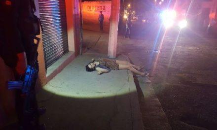 ¡Intentaron ejecutar a balazos a una joven en Lagos de Moreno y está grave!