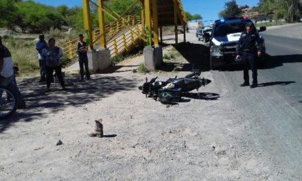 ¡Motociclista lesionado tras chocar contra una camioneta en Calvillo, Aguascalientes!
