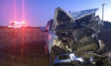 ¡1 muerto y 2 lesionados graves tras choque entre una camioneta y un tractor en Villanueva, Zacatecas!