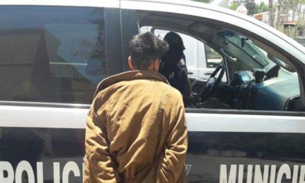DETIENE LA POLICÍA MUNICIPAL DE AGUASCALIENTES A JOVEN POR PRESUNTO ROBO TIPO CRISTALAZO