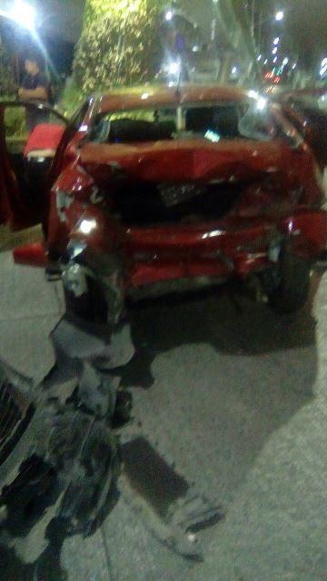 ¡Choque entre 2 automóviles en Aguascalientes dejó a madre e hija lesionadas!