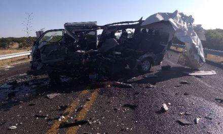 ¡2 muertos, uno de ellos de Zacatecas, tras espantoso accidente en Aguascalientes!