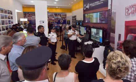 ¡Comités de Ciudades Hermanas visitaron el stand interactivo del Ayuntamiento!