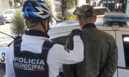 DETUVO LA POLICÍA MUNICIPAL DE AGUASCALIENTES A SUJETO POR POSESIÓN DE HIERBA VERDE EN EL PERÍMETRO FERIAL