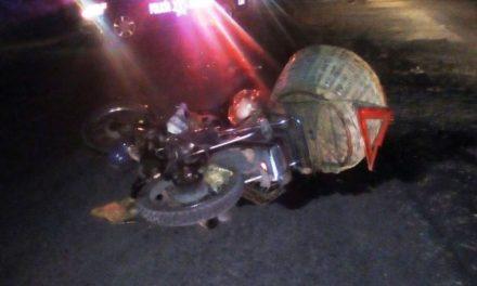 ¡Grave motociclista impactado por un tráiler en Aguascalientes!