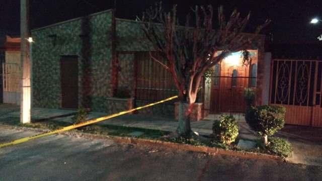 ¡3 pistoleros encapuchados y vestidos de negro asaltaron un domicilio en Aguascalientes!