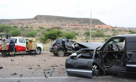 ¡1 muerto y 4 lesionados dejó choque entre 2 camionetas en Trancoso, Zacatecas!