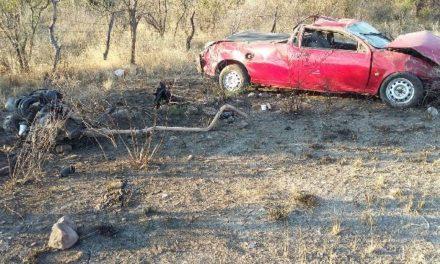 ¡Volcadura de camioneta cobró la vida de un hombre en Lagos de Moreno!