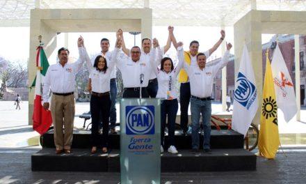¡Candidatos de la Coalición Por México al Frente escuchan y se comprometen con la gente!