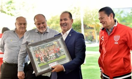 ¡Se reúne el gobernador con el Club Necaxa tras su triunfo en la Copa MX!