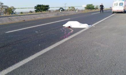 ¡Ciclista murió embestido por una camioneta en Lagos de Moreno!