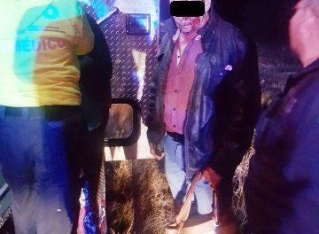 ¡Camioneta se estrelló contra un árbol en Aguascalientes y hombre y mujer resultaron lesionados!