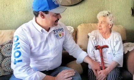 ¡Son adultos mayores fuente de experiencia y conocimiento: Toño Martín del Campo!