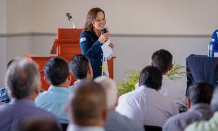¡Se compromete Martha González a potencializar el sector de la construcción!