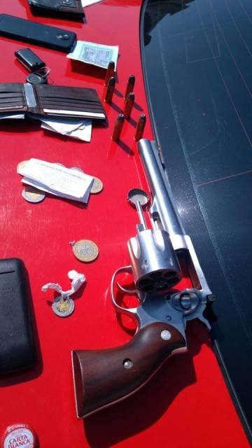 ¡Tras breve persecución detuvieron a 2 sujetos con un arma de fuego en Aguascalientes!