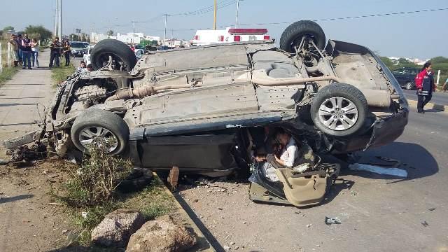 ¡Ya identificaron a los 3 muertos del accidente en Aguascalientes: eran madre e hijos!