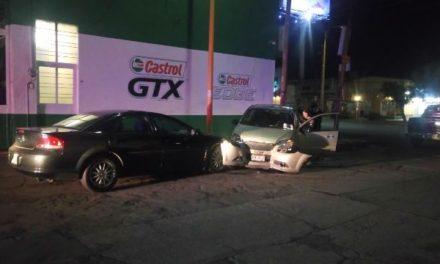 ¡Una joven ebria provocó un aparatoso accidente en Aguascalientes!