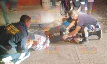 "¡Agoniza sexagenario motociclista embestido por un auto ""fantasma"" en Lagos de Moreno!"