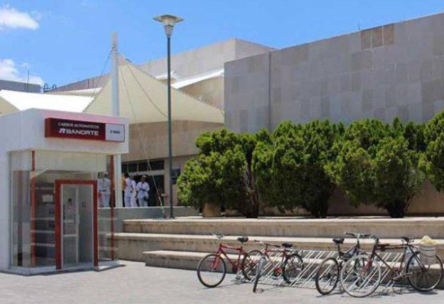 ¡Delincuentes armados robaron un cajero automático de Banorte del IMSS en Fresnillo!