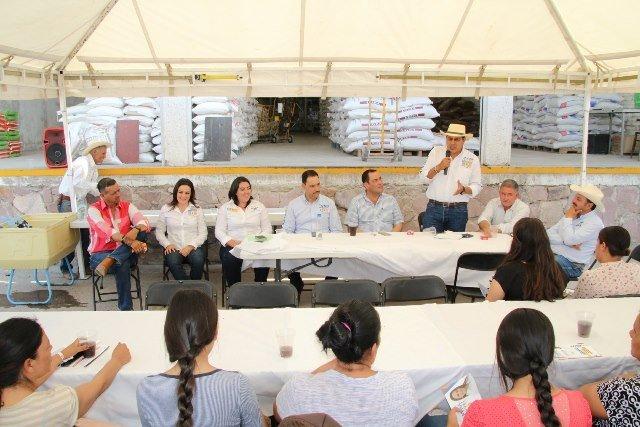 ¡Municipios pueden fortalecerse mediante proyectos conjuntos: Javier Luévano!
