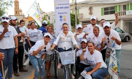 ¡Fortalecerá Martha Márquez las asociaciones civiles!