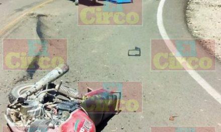 ¡Agoniza niño de 11 años de edad que en su motocicleta chocó contra un camión de volteo en Lagos de Moreno!