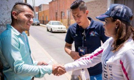 ¡Mayores recursos para becas educativas, propone de Martha González!
