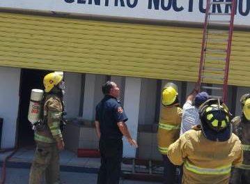 """¡Se incendió el Centro Nocturno """"El Oasis"""" en Aguascalientes!"""