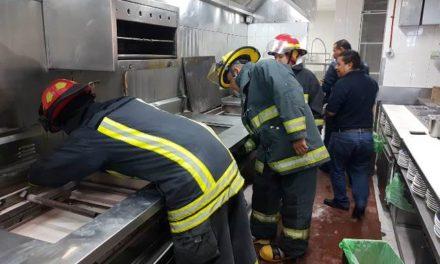 ¡Flamazo en el Sanborns de la Zona Centro en Aguascalientes dejó 2 lesionados!