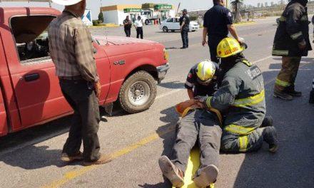 ¡Camioneta fue chocada por un tráiler en Aguascalientes: 2 lesionados!