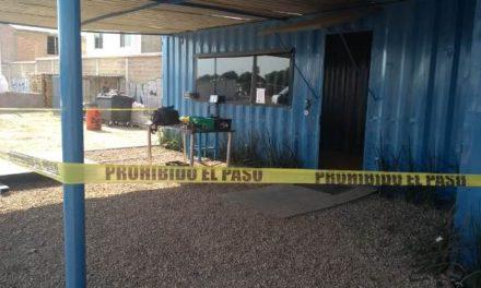 ¡Policías municipales detuvieron a 2 sujetos, uno de Zacatecas, que intentaron asaltar un negocio en Aguascalientes!