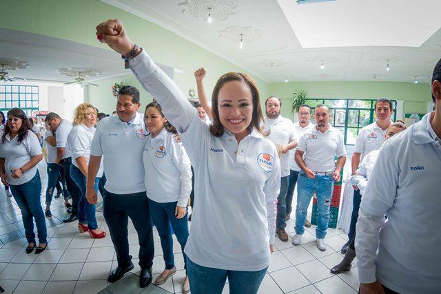 ¡Refrenda Martha González su compromiso con la educación!
