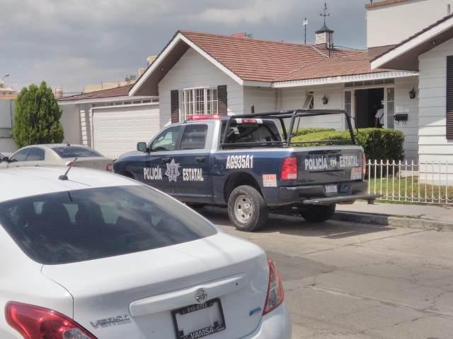 ¡2 delincuentes asaltaron la notaría del ex alcalde Adrián Ventura en Aguascalientes!