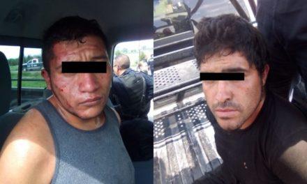 ¡Tras persecución en Aguascalientes detuvieron a 2 fresnillenses en un auto robado!