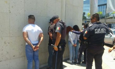 ¡Tras una persecución detuvieron a 4 farderos que robaron en la tienda Liverpool de Altaria en Aguascalientes!